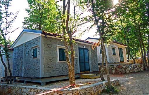 Mobilne hiše s fasado iz dekorativnih panelov TOTAL v izgledu kamna - otok Krk